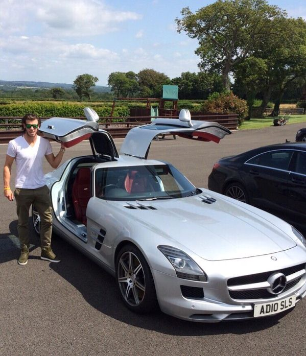 Gareth Bale Mercedes Benz SLS AMG
